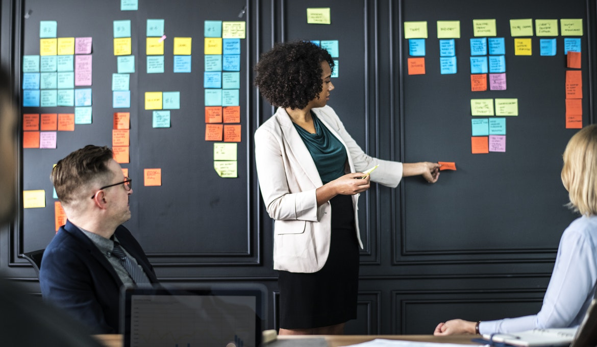 What different types of teams are in the workplace?